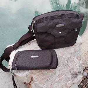 2 x Baggallini EUC set crossbody bag and wallet